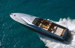 Magnum Marine 80 designed by Pininfarina